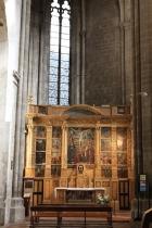Мощи святого Сидуана - в логическом центре композиции /// The relics of Saint Sidoine take the logical centre of the composition