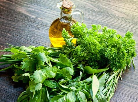fresh-herbs-olive-oil-preparation