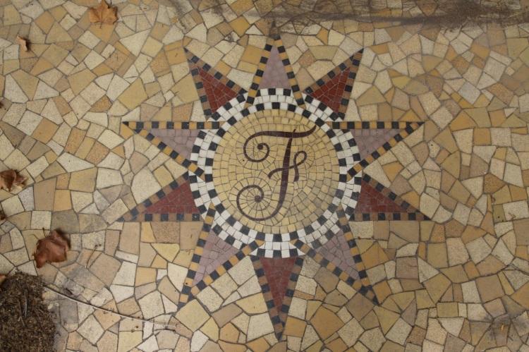 F de Fernandel, Villa Mille Roses